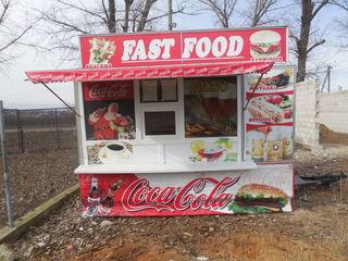 Rulota mobila Fast-Food. Chiosc comercial.