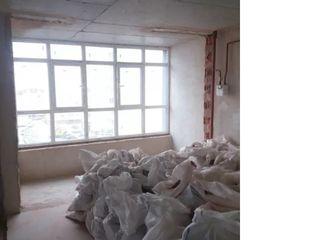 Демонтаж-ные работы стен, плитки,   штукатурки,перегородок,стяжки,бетона