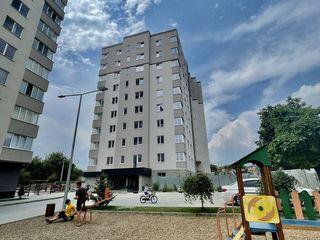 Vind apartament 1 camera + living / Ghidighici str. sfatul tarii/ Curte Privata/ BLOC NOU