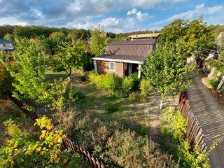 Vînd, vilă Criuleni sat Rîșcova, teren 6 ari în Codrii Moldovei