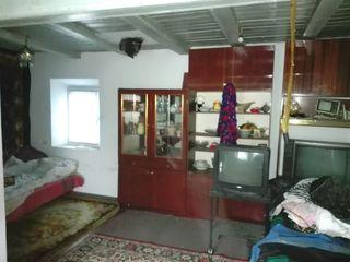 Домик на 25-ти сотках земли под строительство в с. Фрумушика(Бачой) мун.Кишинев. Цена: 19 500 евро.