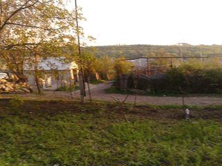 Продам участок 6 сот 5 км от Кишинева.