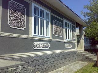 Casa in Glodeni + sarai cu garaj, foarte calitativa  .