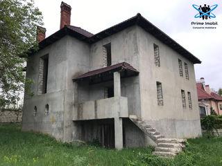 Centru , Casă nefinisată pe 10ari în varianta sură, str N.Testimitianu / C.Vârnav