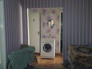 Apartament / 3 odăi, seria 143, or. Strășeni, preț negociabil