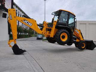 Servicii si lucrari cu buldoexcavator jcb 3cx, Excavator
