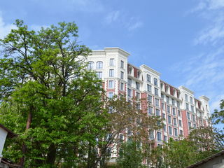 Apartament cu două odăi vis-a-vis de Consulatul României