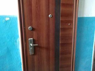 Urgent!! or.Florești,apartament cu 3 camere,60 m2,et.1/5!!!Autonomă!