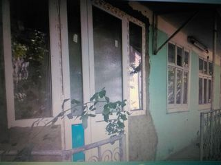 Urgent, casă Nisporeni, 12 ari, 5 camere