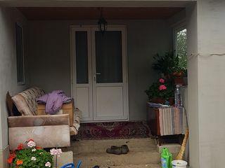 Casa la sol in satul Zastinca, 4 km de la orasul Soroca. Trei camere,baie,bucatarie. Incalzire de la