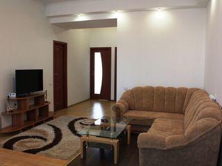 Lunar! New building! 3 camere apartament comfortabil cu interior placut pentru Dumneavoastra!