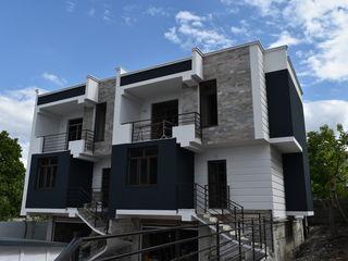 Duplex 3 nivele. 3 dormitoare+salon. Terasa