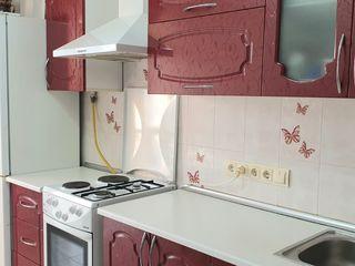 Se vinde direct de la proprietar apartament cu 2 odai + debara, sect. Centru, Memorial.