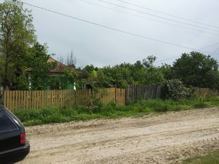 Продаю дом+участок, в Унгенском р-не, с Новая Николаевка по очень выгодной цене!!! 49 соток земли!!!