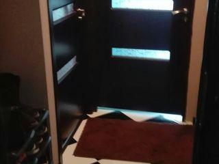 Apartament cu euro reparatie.Cu debara si mobila noua.