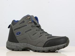 Треккинговые ботинки Falcon - серые