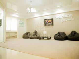 Chirie apartament cu 3 odăi, bloc nou, str. melestiu 450 €