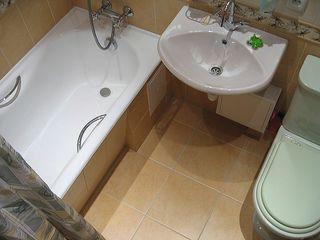 Устранение всех протечек воды унитаза (в бачке) краны,труб, шланги,сифоны. Замена механисмов в бачке