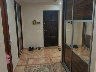 Vind apartament cu 3 camere!  Euroreparație! 107m2,  sectorul Centru!