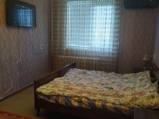 Сдам трехкомнатную квартиру на длительный срок!