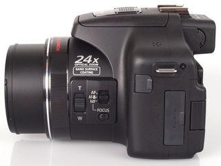 Panasonic Lumix DMC-FZ150 в идеальном состоянии, весь комплект + сумка в подарок.
