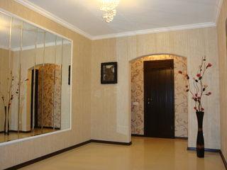 Продаю 3х комнатную квартиру, уютную, с качественным евроремонтом, рядом находятся кафе, магазины, с