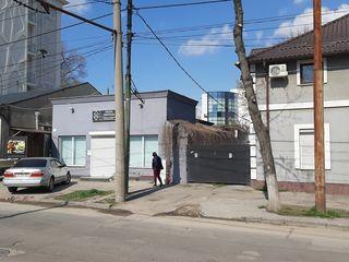 Сдается на долгий срок  дом для жилья, под бизнес, офис, склад, и  производства  в центре Кишинева