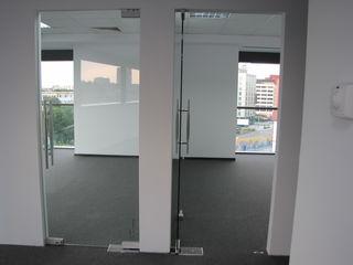 Uși din sticlă călită - realizăm la comandă după mărime