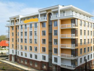 Proprietar! Pret Real! Vand apartament de 81, 4 m2, in varianta alba, sec.Buiucani,Complexul Deleanu