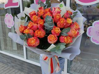 Розы/ trandafiri in buchet