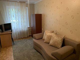 Apartament spre inchiriere cu 2 camere separate/ bd. Traian / Sector Botanica