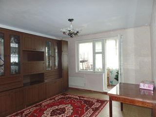 Ciocana, apartament cu 3 odai, et.2din9 de mijloc - 34999euro