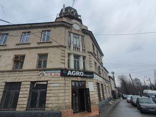Apartament cu 3 odai + living in Centru! Euroreparatie! 53 000 €