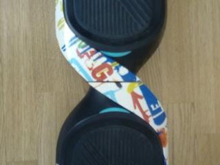 vând hoverboard în stare ideală