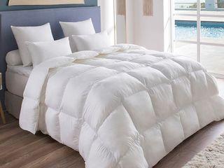 Натуральные высококачественные  пуховые одеяла. Уникальный пух белых гусей .Разные размеры