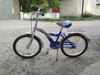 Велосипед детский 400 лей
