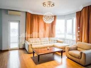 Apartament în chirie, str. București, 900 €