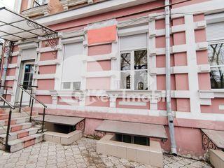 Oficiu cu 2 nivele, partial mobilat, 250 mp, M. Kogâlniceanu !