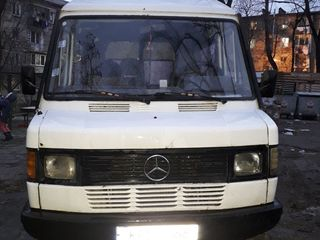 Mercedes 2080
