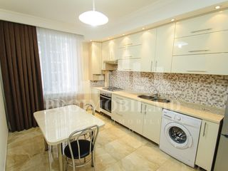 Apartament în chirie, str. Independenței, 330 €
