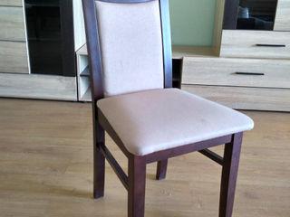 Scaun din lemn natural tapitat