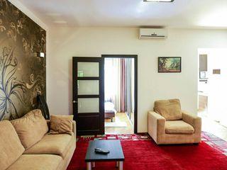 Apartament chirie 4 camere centru Chișinău negociabil