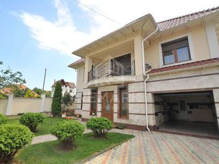 Chirie, casa, centru, 2 nivele, 4000 €