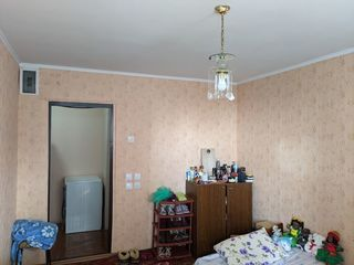 Camera în cămin, Ciocana, strada Maria Drăgan.