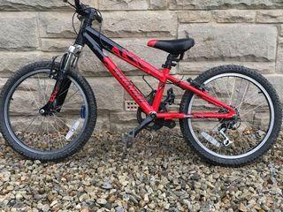 Specialized hotrock bike red