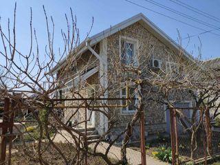 M2-Vânzare, Casă, rn. Dubăsari, sat. Pîrîta- 140/mp, 6 ari, autonoma, reparatie euro, 5 camere.