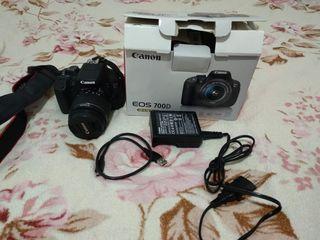 Urgent !!!Canon Eos 700D kit + canon 50mm f/1.8 STM