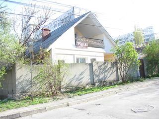 Телецентр, ул.Валя Дическу , отличный дом, участок 4 сотки 85000 Евро
