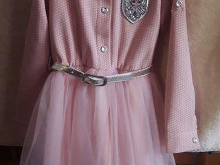 Платья для девочки в идеальном состоянии