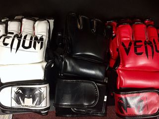 Manusi pentru mma,mix-fight,sambo Venum 449 lei ! (k-1, sambo, mix-fight)
